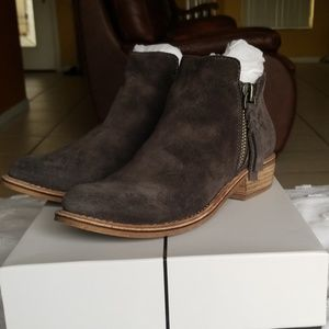Dolce Vita Sutton Anthracite Suede Booties